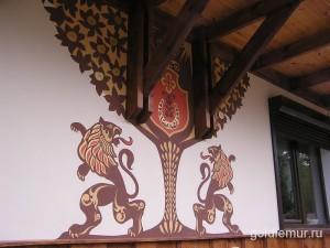 Роспись фасада дома Жар Птицами